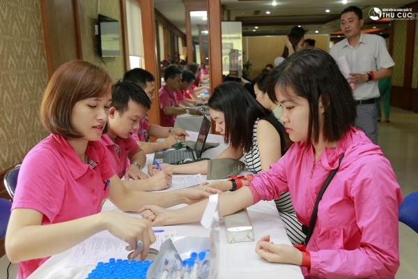 Xét nghiệm máu là thao tác chuẩn bị cần thiết trước khi thực hiện hiến máu.