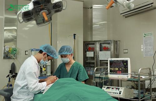 Tiểu phẫu an toàn được thực hiện trong điều kiện vô khuẩn