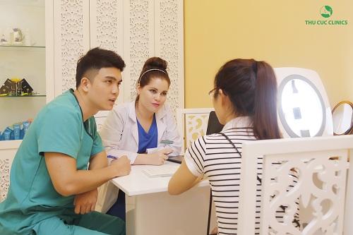 Trong tuần đầu khai trương Thu Cúc clinic Sài Gòn, khách hàng được thăm khám, tư vấn miễn phí và điều trị thẩm mỹ da bởi bác sĩ nước ngoài uy tín.