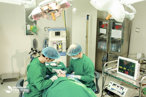 Tạo môi trái tim tại Thu Cúc là tiểu phẫu thẩm mỹ không quá phức tạp