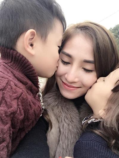 Cuộc sống gia đình cũng viên mãn, hạnh phúc