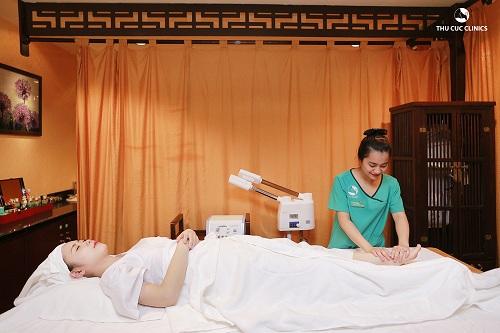 Và tặng voucher trị giá 1.200.000đ cho 2 buổi massage trị liệu thư giãn toàn thân bằng 2 tay, áp dụng với khách hàng làm đẹp có hóa đơn từ 2 triệu trong ngày khai trương 31/07/2016.