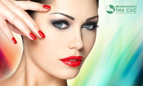 Phun thêu lông mày là phương pháp giúp chị em sở hữu đôi lông mày đẹp, hài hòa và tôn lên nét đẹp của khuôn mặt bằng những sợi lông mày tự nhiên nhất.
