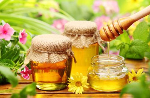 Mật ong giúp trị nám và ngăn lão hóa da