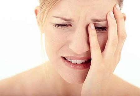 Trị tàn nhang sai cách dễ làm kích ứng da