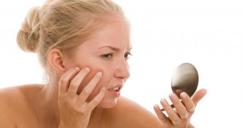 Trị nám sai cách sẽ rất dễ làm tổn thương da