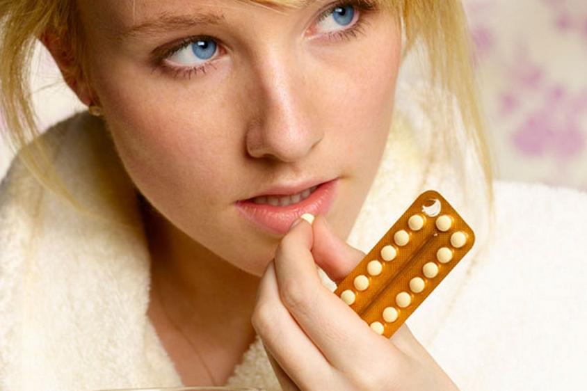 Tàn nhang có thể xuất hiện khi chị em sử dụng thuốc tránh thai