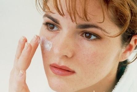 Sau 30 tuổi là lúc làn da có dấu hiệu lão hóa và gây nám da