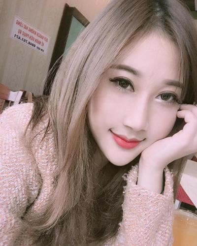 """Cửa hàng nail """"hút khách"""" nhờ cô chủ 9X Bảo Linh siêu xinh đẹp"""