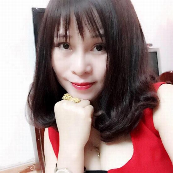 Chuyên viên make up Hồng Sang khoe dáng mũi sau 7 năm thẩm mỹ