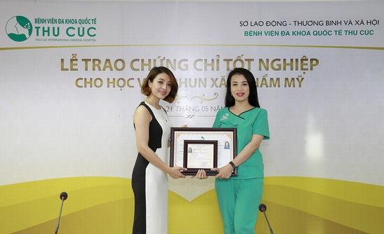 hoc-nghe-phun-xam-tai-thu-cuc-tu-tin-khoi-nghiep-nuoc-ngoai-4