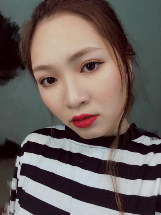 9x-ngoc-tram-bien-hoa-da-phong-cach-make-up-sau-cat-mi-3