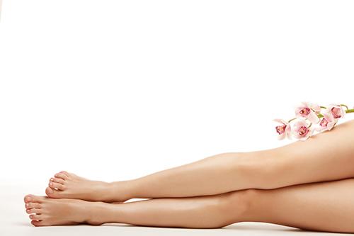 cách triệt lông chân bằng tự nhiên phổ biến cho bạn gái