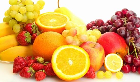 Bạn có thể lựa chọn các loại kem có chứa vitamin C ở dạng tự nhiên hoặc bổ sung vitamin C từ chế độ ăn uống hàng ngày.
