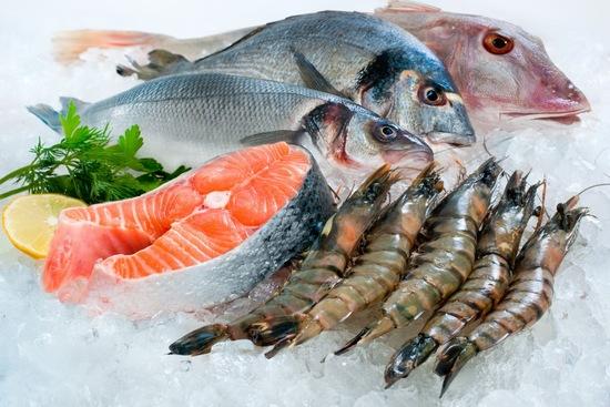 Trong khi vết thương đang lên da non bạn nhớ không ăn hải sản nhằm tránh bị dị ứng hoặc ngứa ngáy khó chịu.