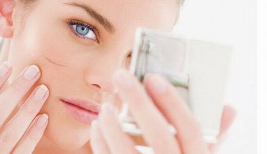 Sẹo lồi tuy làm mất đi tính thẩm mỹ của làn da nhưng bạn cũng không cần quá lo lắng bởi có khá nhiều cách để điều trị.