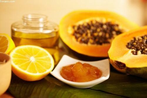 """Mật ong từ lâu đã được biết đến là nguyên liệu """"vàng"""" đối với sức khỏe và làn da."""