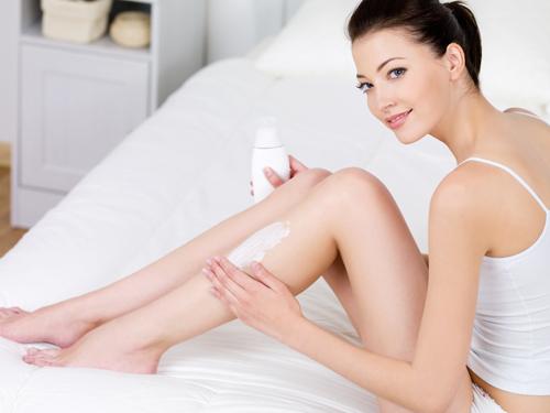 90 bạn gái mắc sai lầm này khi triệt lông chân tại nhà