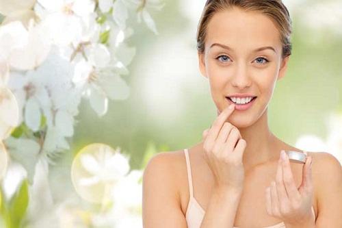 Bật mí cách dưỡng môi sau khi phun xăm vào mùa hè giúp chị em tự tin với làn môi căng mịn, đẹp màu