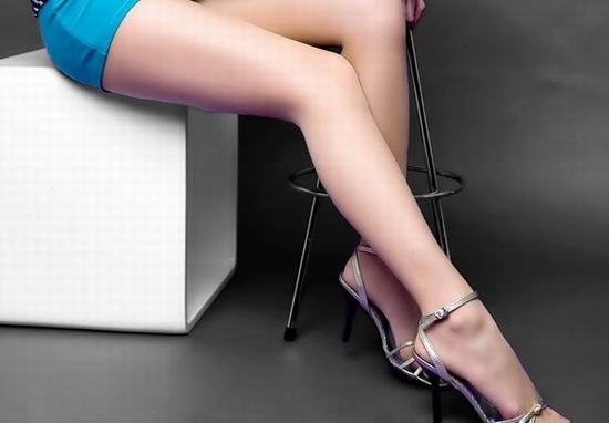 """Sẹo ở chân là nỗi """"ám ảnh"""" của các chị em mỗi khi mặc quần sooc hay váy ngắn."""