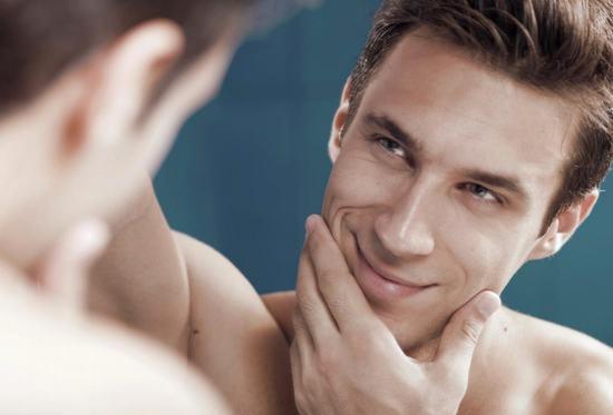 Các nghiên cứu đã chỉ ra rằng tỉ lệ nam giới bị sẹo rỗ, sẹo lõm cao hơn nữ giới tới 20%.