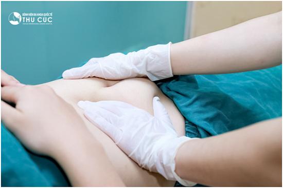 Các động tác massage kết hợp trong quá trình thực hiện detox cũng giúp tăng đáng kể hiệu quả của việc detox giúp tiêu hao mỡ thừa ở bụng.