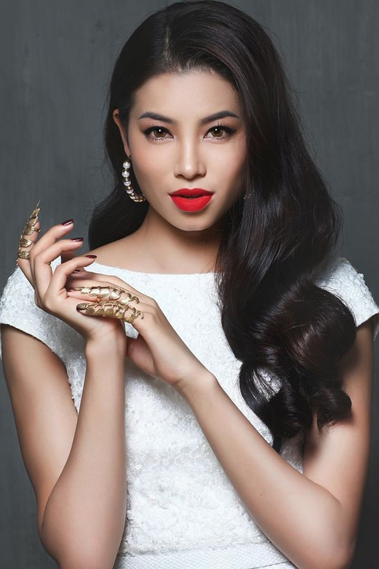 Hoa hậu Phạm Hương sở hữu vẻ đẹp chuẩn quốc tế cùng với đôi môi dày sexy, gợi cảm.