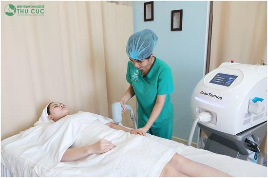 Hiện nay, để triệt lông hiệu quả, an toàn, tránh tình trạng viêm nang lông thì bạn nên áp dụng công nghệ triệt lông Laser Diode ở Thu Cúc.