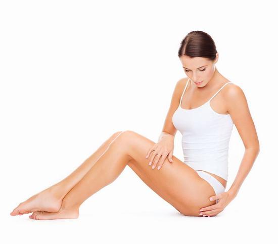 Việc triệt lông tuy đơn giản nhưng thực tế lại rất dễ gây tổn thương cho da nếu lựa chọn sai phương pháp.