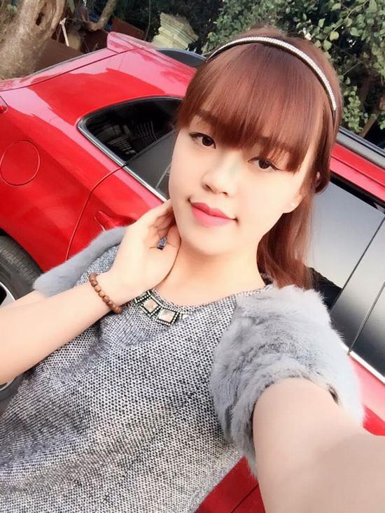 """Đôi mắt """"lờ đờ"""" là nhược điểm lớn nhất trên khuôn mặt của Quỳnh Trang, dù make up thế nào cũng… bế tắc"""