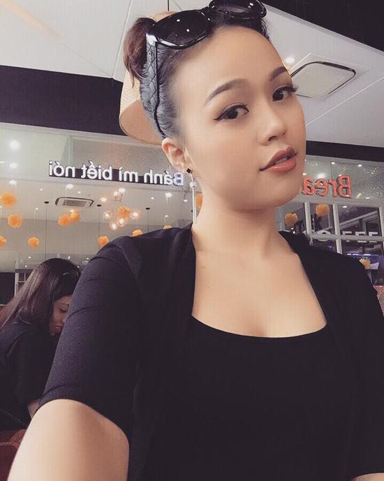 Đôi mắt hai mí tự nhiên giúp gương mặt của Quỳnh Trang tràn đầy sức sống