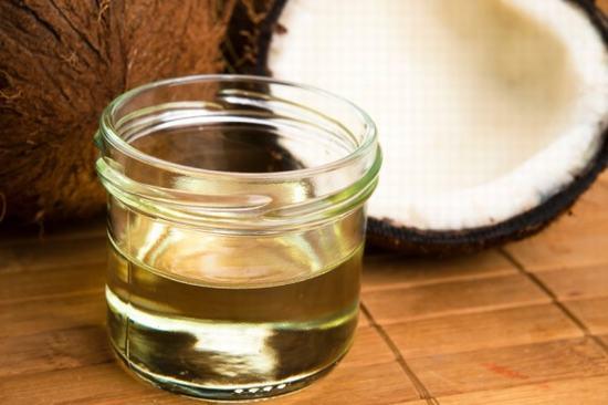 Cách chữa viêm nang lông bằng dầu dừa