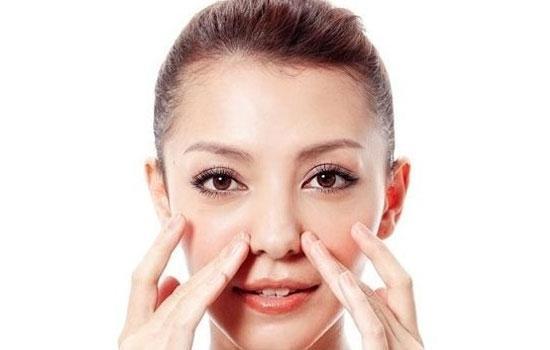 Tránh dùng tay sờ nắn, chỉnh hay va đập mạnh khiến mũi bị tổn thương, biến dạng.