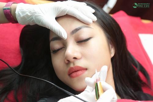 Thu Cúc cam kêt thực hiện đúng các bước an toàn trong phun thêu thẩm mỹ, giúp lông mày bạn tốn ít thời gian để hồi phục và ổn định sau khi phun thêu.