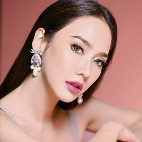 """Xăm môi là một trong những bí kíp """"tỏa sáng"""" của nhiều kiều nữ châu Á."""