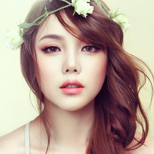 Phun thêu thẩm mỹ là biện pháp làm đẹp hàng lông mày nhanh chóng, an toàn và hiệu quả cao.