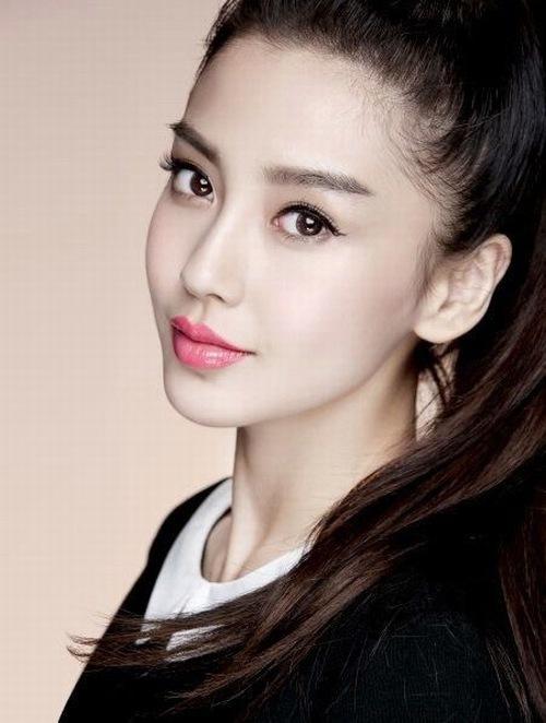 Với công nghệ phun xăm mí mắt Hàn Quốc bạn sẽ nhanh chóng sở hữu đôi mắt to đẹp hút hồn.