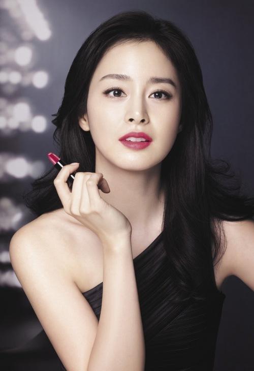 """Sau khi phun lông mày ngang Hàn Quốc bạn sẽ không phải trang điểm mỗi ngày mà vẫn sở hữu nhan sắc chuẩn """"không góc chết""""."""