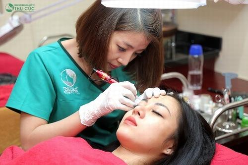 Kỹ thuật thêu lông mày sẽ ảnh hưởng trực tiếp tới kết quả cũng như thời gian duy trì sau thẩm mỹ.