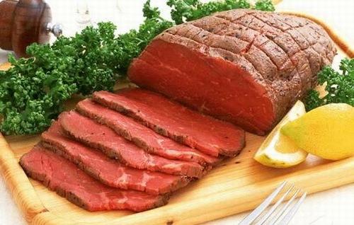 Trong thời gian đầu sau phun môi bạn không nên ăn thịt bò.