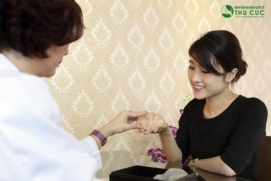 Tùy thuộc vào tình trạng cụ thể của khách hàng các bác sĩ sẽ tư vấn phương pháp cũng như loại túi thích hợp