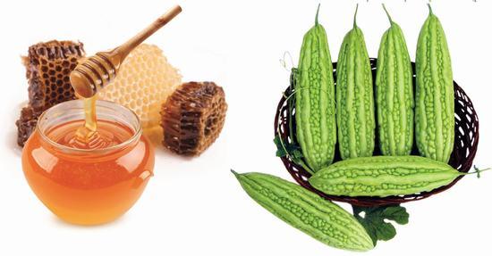 Mướp đắng kết hợp với mật ong và nước cốt chanh cũng là sự lựa chọn hoàn hảo cho làn da bị nám