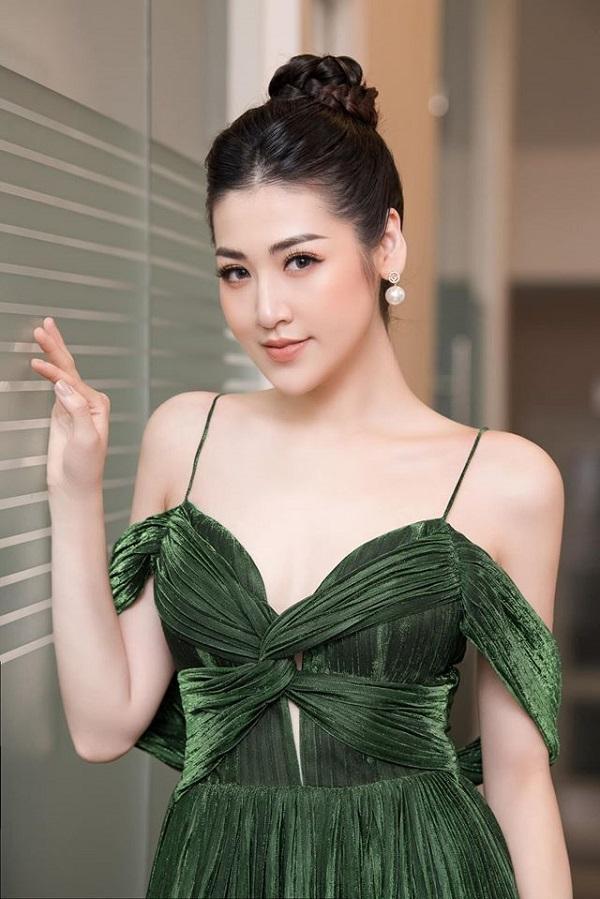 Á hậu Tú Anh là 1 trong những khách hàng trung thành với các dịch vụ làm đẹp của Hệ thống thẩm mỹ Thu Cúc Mega Beauty Center