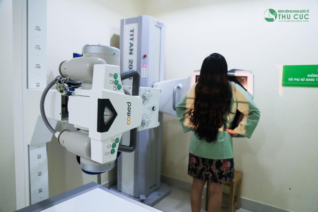 Chụp Xquang là một trong những công đoạn kiểm tra sức khỏe để thực hiện dịch vụ này.