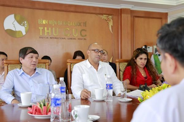 Bệnh viện Thu Cúc tiếp đón đoàn Đại sứ Cuba tại Việt Nam