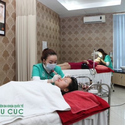 Ngoài phun lông mày, thêu lông mày, Bệnh viện Thu Cúc còn có phương pháp điêu khắc lông mày, tất cả đều mang đến sự lựa chọn đa dạng cho mọi khách hàng