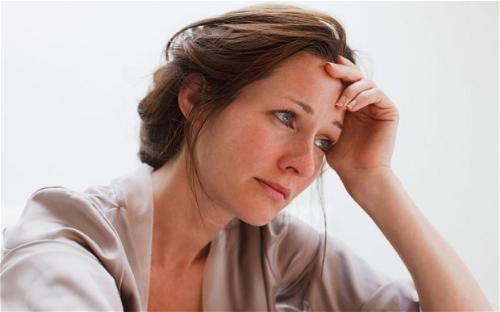 Phụ nữ sau sinh rất dễ bị nám và tàn nhang