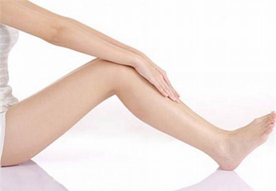 Xóa sẹo thâm lâu năm ở chân cực đơn giản với gừng