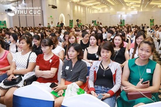 """""""Thành công không mang tên Đại học"""" – Chương trình hướng nghiệp thu hút giới trẻ"""