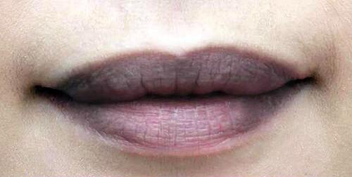 Cách trang điểm để tạm biệt môi thâm đen đón môi hồng tươi tắn